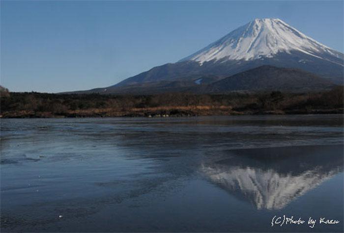 オリョウサン鏡面の逆さ富士.精進湖のコピー.jpg