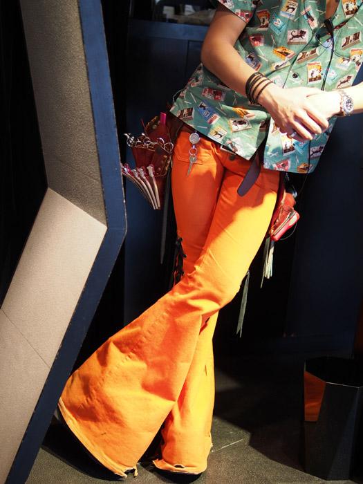 オレンジ色 原宿.jpg