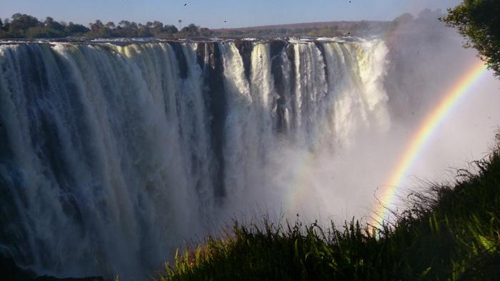 ジンバブエの滝ザンビア側より-1.jpg