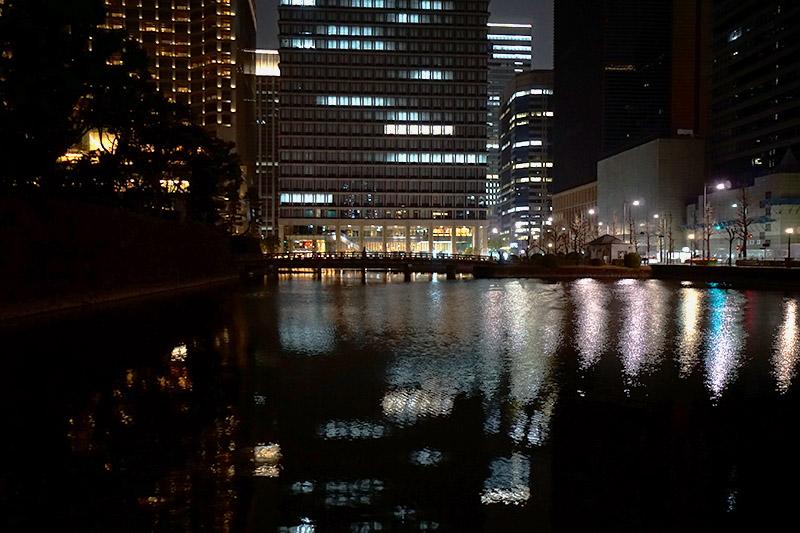 4月-夜のお堀端-東京.JPG