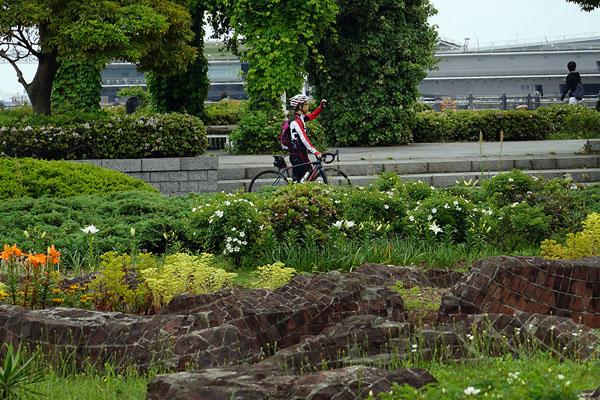 ペロー自転車と-横浜のコピー.jpg