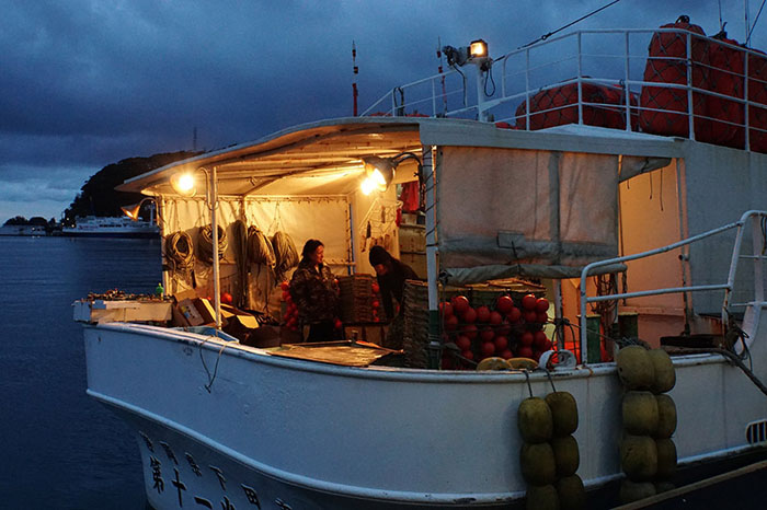 ペロ漁港の朝-2のコピー.jpg